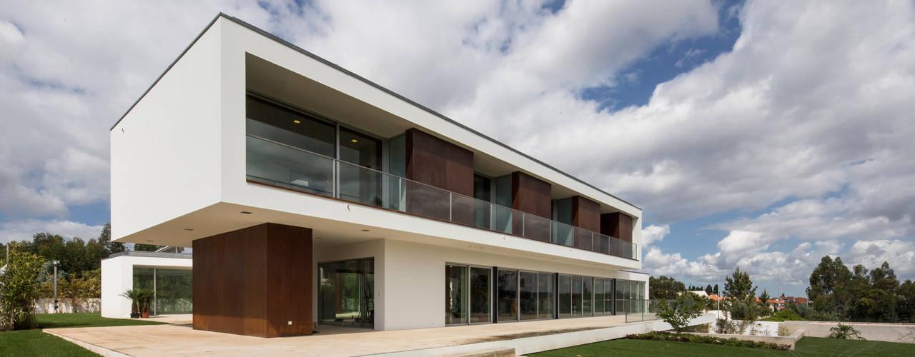Projekty,  Domy zaprojektowane przez Atelier Lopes da Costa