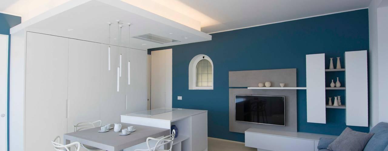 Living room by Architetto ANTONIO ZARDONI
