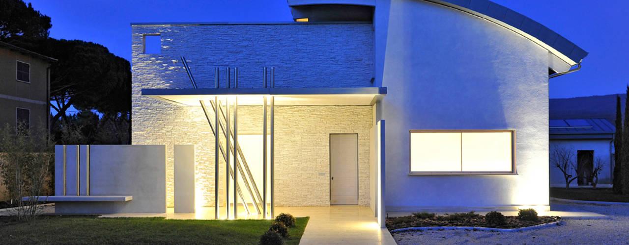 Maisons modernes par INO PIAZZA studio Moderne
