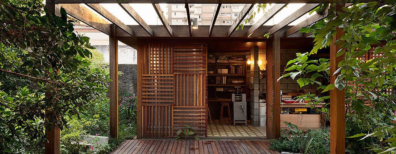 Projekty, nowoczesne Domy zaprojektowane przez ODVO Arquitetura e Urbanismo