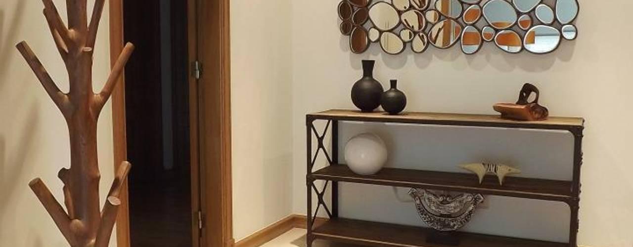Gang en hal door Traço Magenta - Design de Interiores