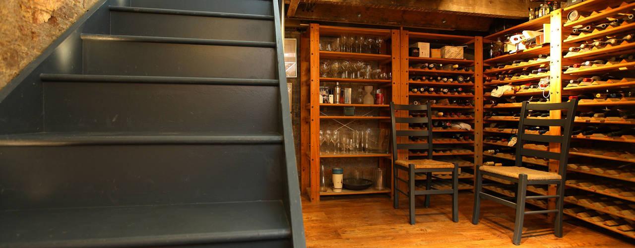 Residential conversion in Kew Cave à vin classique par PAD ARCHITECTS Classique
