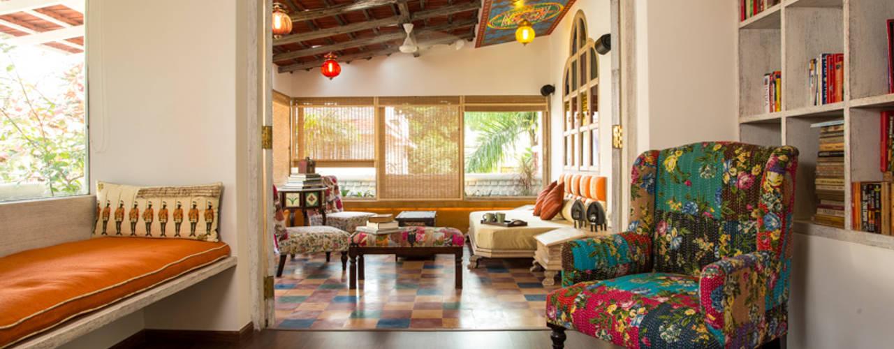 House in Pune Escritórios asiáticos por The Orange Lane Asiático