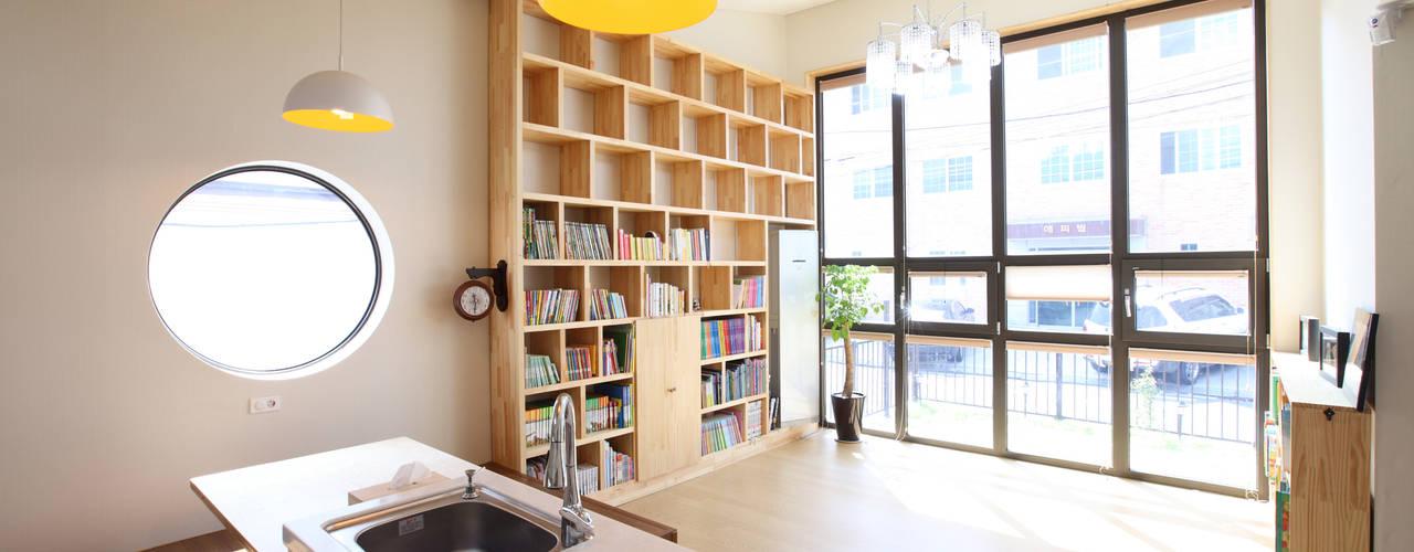 Salas / recibidores de estilo  por 주택설계전문 디자인그룹 홈스타일토토