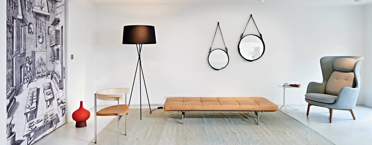 Fritz Hansen Brandstore Espacios comerciales de estilo minimalista de minimum einrichten GmbH Minimalista