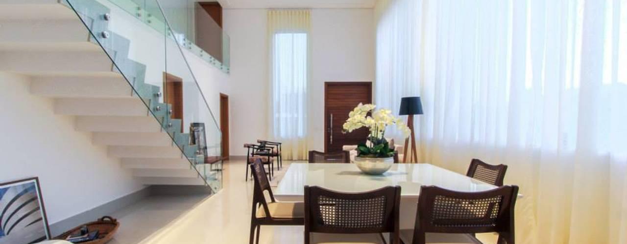 Residência Unifamiliar Condomínio Alphaville Londrina 2 de Tony Santos Arquitetura Minimalista