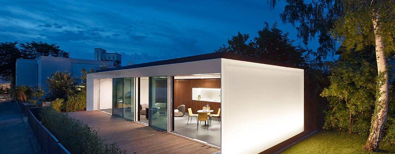 Salas de jantar modernas por WERNER SOBEK Moderno