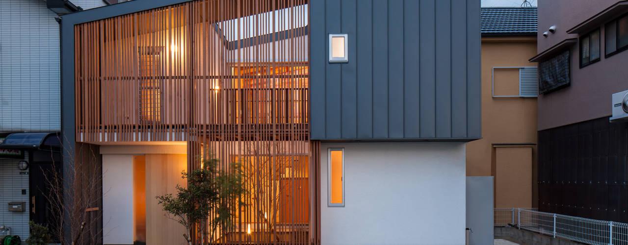 Casas modernas: Ideas, imágenes y decoración de 神谷徹建築設計事務所 Moderno