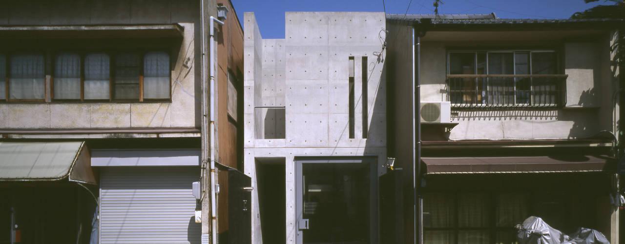 Style~大松通の世界軸~: 久保田英之建築研究所が手掛けた家です。,モダン