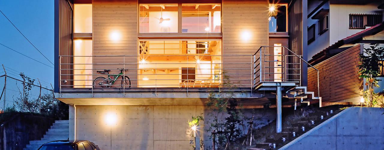 โดย 久保田英之建築研究所 โมเดิร์น