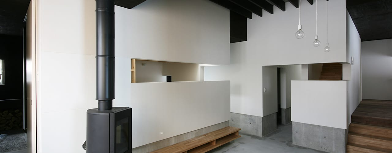 西岡の家 モダンデザインの リビング の 石塚和彦アトリエ一級建築士事務所 モダン