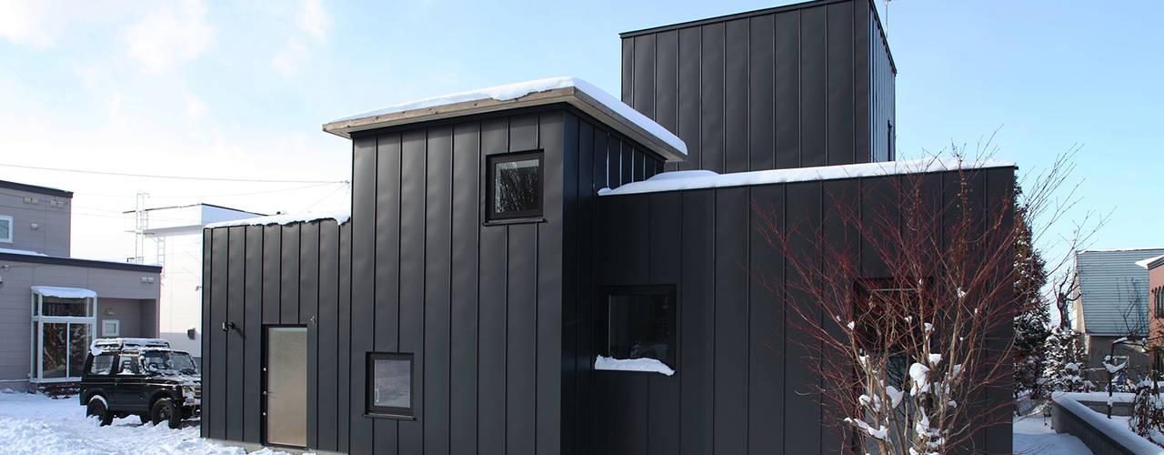 西岡の家: 石塚和彦アトリエ一級建築士事務所が手掛けた家です。
