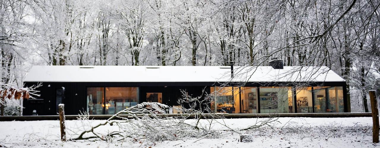 Bedaux de Brouwer Architectenが手掛けたガレージ