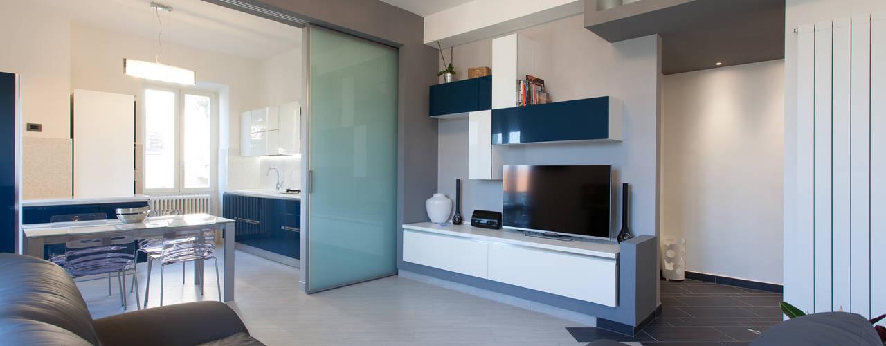 غرفة المعيشة تنفيذ Fabrizio De Rosa Architetto