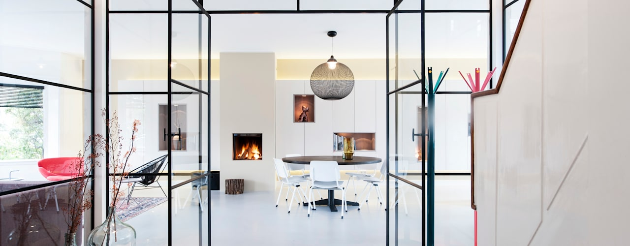Dining room by StrandNL architectuur en interieur