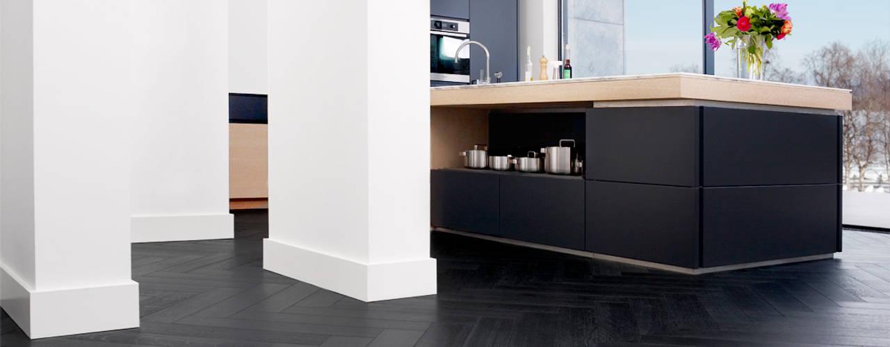 モダンな 壁&床 の Nobel flooring モダン