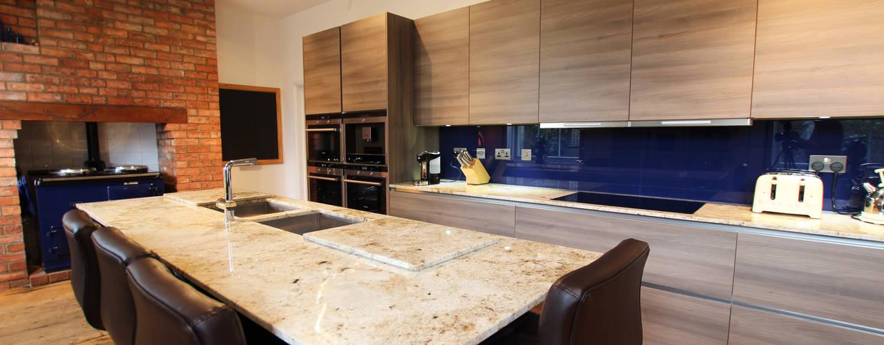 Wood Kitchens :  Kitchen by LWK Kitchens