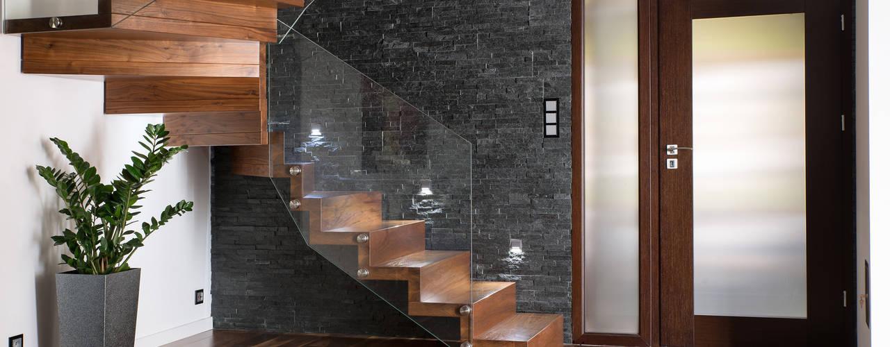 BRODA schody-dywanowe Corridor, hallway & stairs Stairs