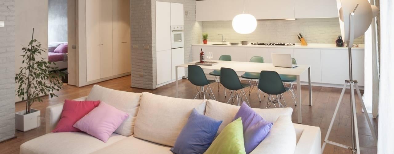 غرفة المعيشة تنفيذ Brizzi+Riefenstahl Studio