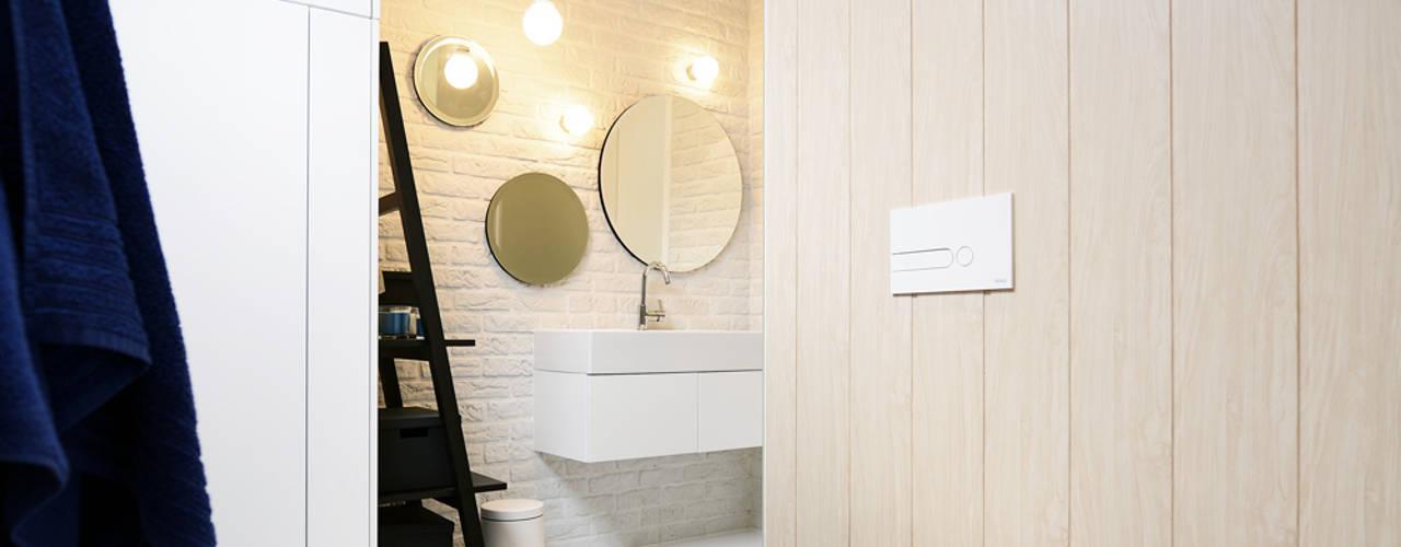 Ванная комната в скандинавском стиле от ANIEA Скандинавский