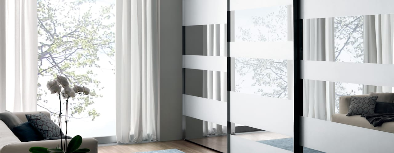segmenta - Sliding glass door wardrobes od Lamco Design LTD Minimalistyczny
