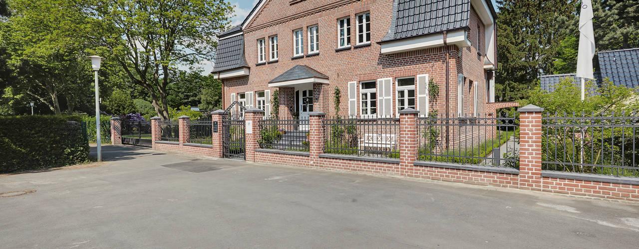 Gärtnerhaus Klassische Häuser von 28 Grad Architektur GmbH Klassisch