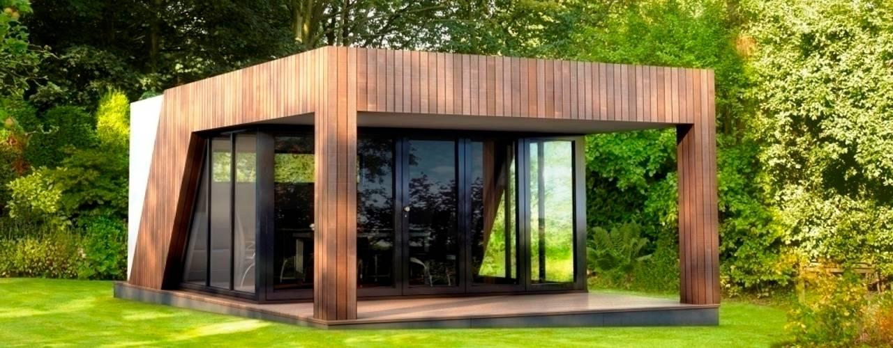 Luxury garden room - gymnasium:  Garden by The Swift Organisation Ltd,