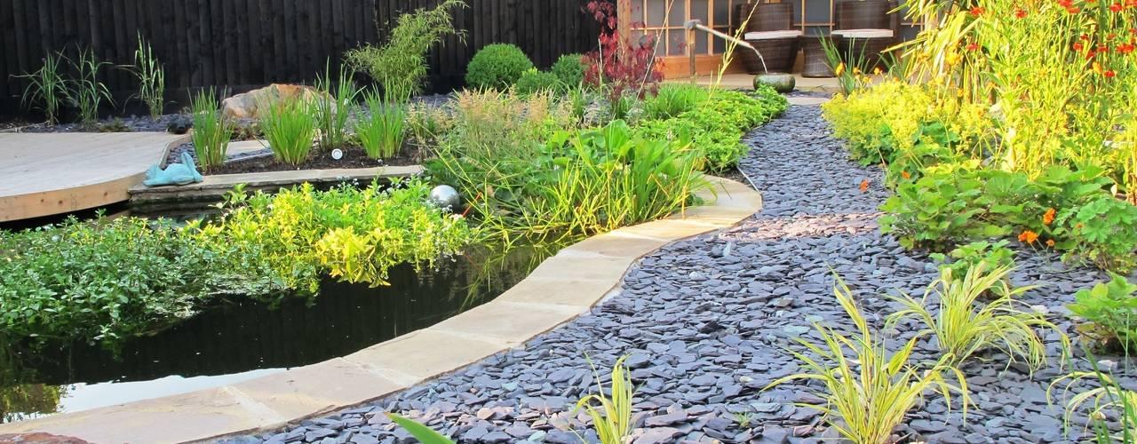 Jardines de estilo  por Katherine Roper Landscape & Garden Design