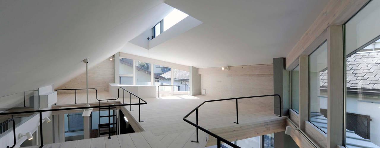 ロフト: kt一級建築士事務所が手掛けた和室です。