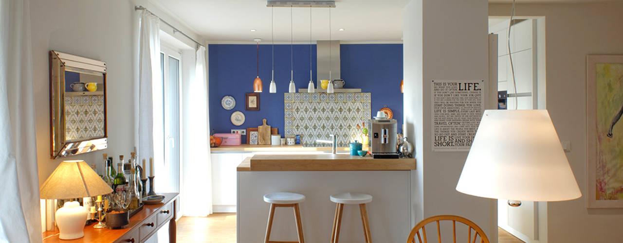 Столовая комната в стиле кантри от kirsch architekten mbB Кантри