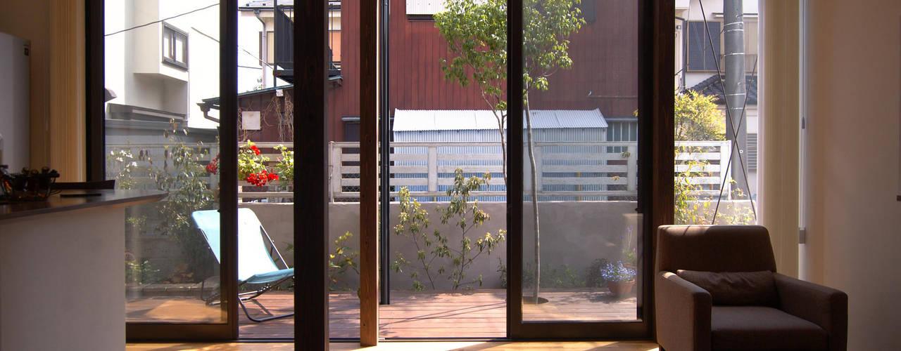 Renovation at Hagiyama 现代客厅設計點子、靈感 & 圖片 根據 FURUKAWA DESIGN OFFICE 現代風