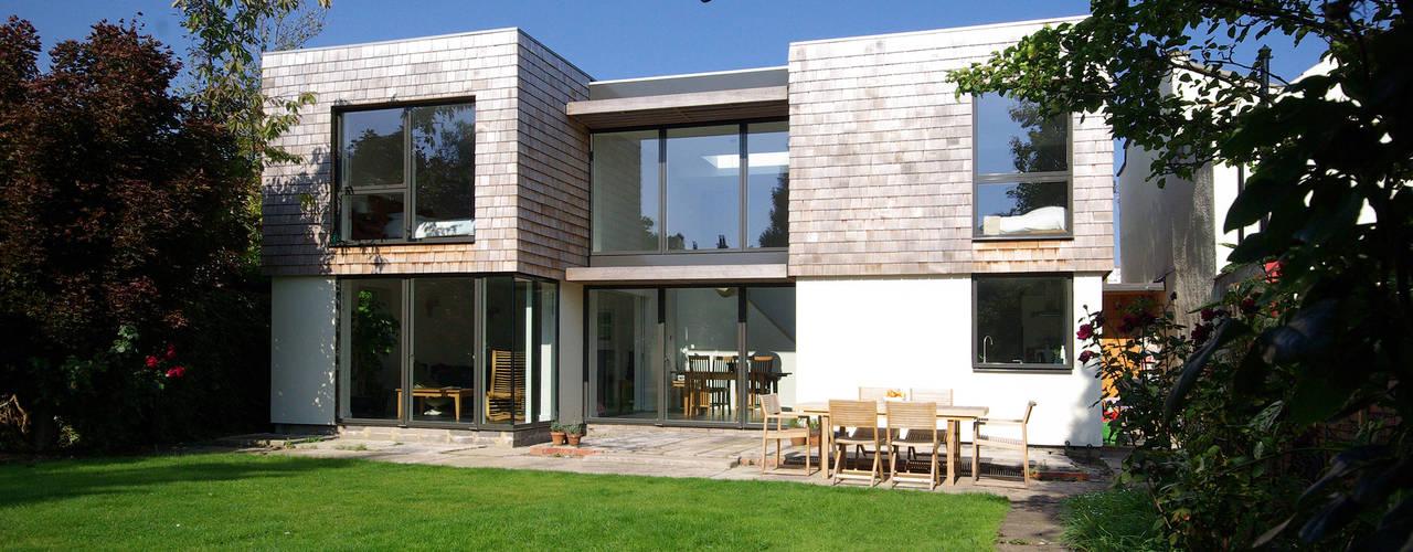 Cedar House Rumah Modern Oleh Designscape Architects Ltd Modern