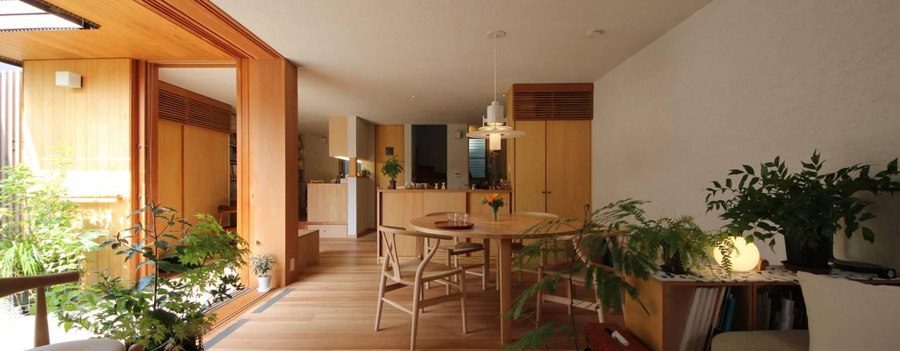 荏田町の家 モダンデザインの ダイニング の 新井アトリエ一級建築士事務所 モダン
