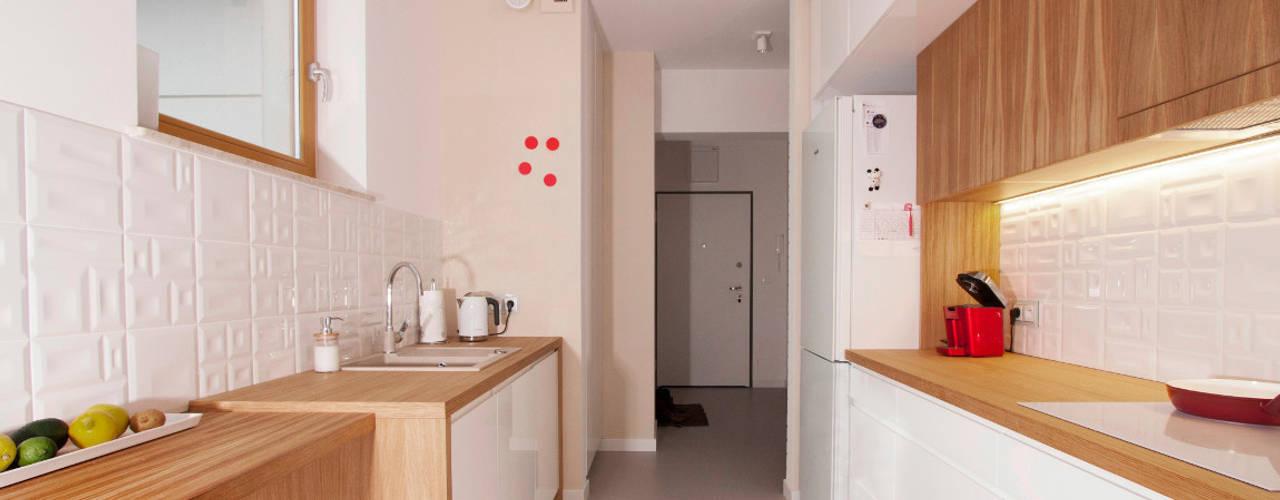 Modern kitchen by Kameleon - Kreatywne Studio Projektowania Wnętrz Modern