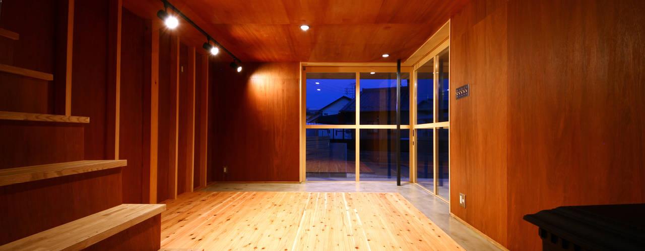 玄関土間: TABが手掛けた和室です。