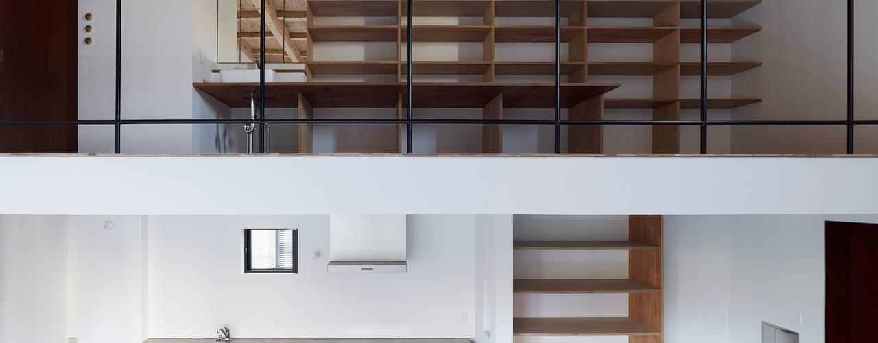 東九番丁のハウス: 齋藤和哉建築設計事務所が手掛けたキッチンです。