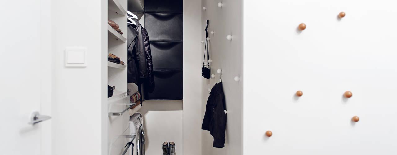 Closets de estilo  por formativ. indywidualne projekty wnętrz, Moderno