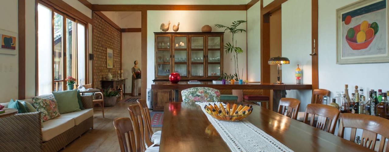 Jaguariuna Salas de jantar rústicas por PM Arquitetura Rústico