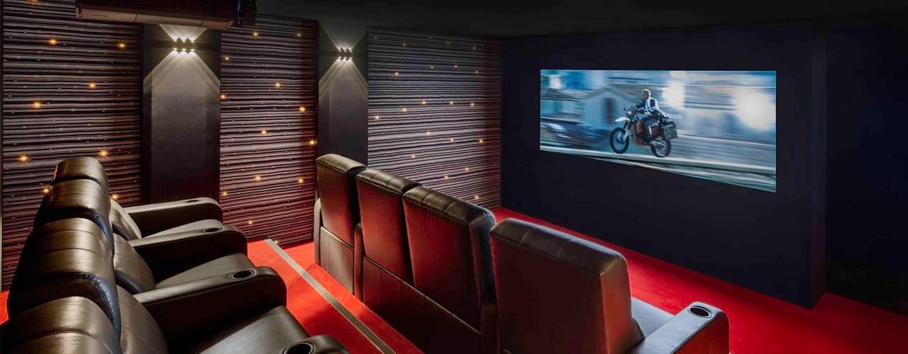 Salas multimedia de estilo  por Decoussemaecker Interieurs, Moderno