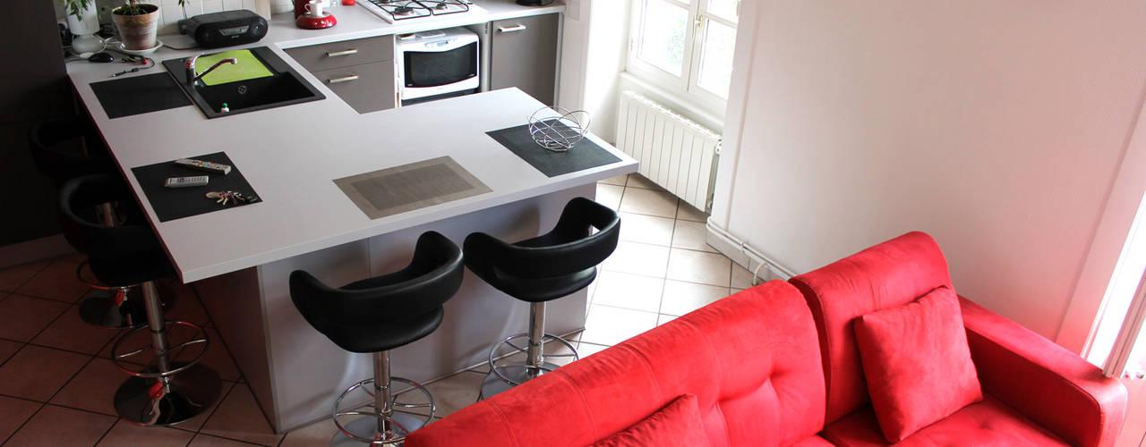 Cucina moderna di Atelier OCTA Moderno