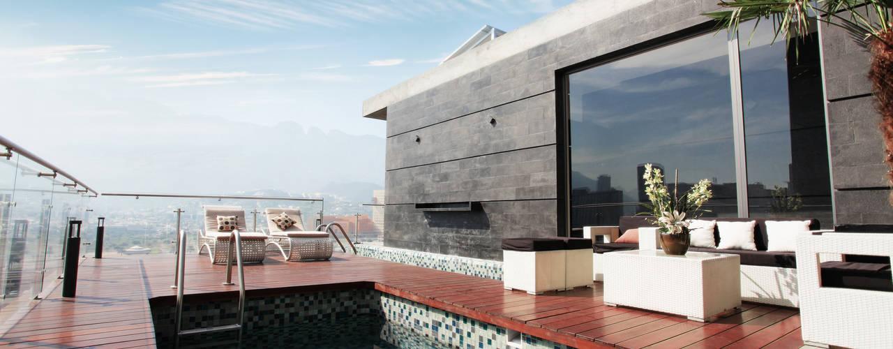 Piscinas modernas por Diez y Nueve Grados Arquitectos Moderno