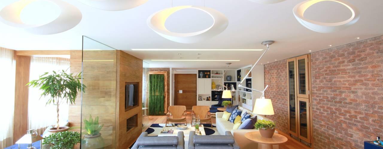 Living room by MeyerCortez arquitetura & design