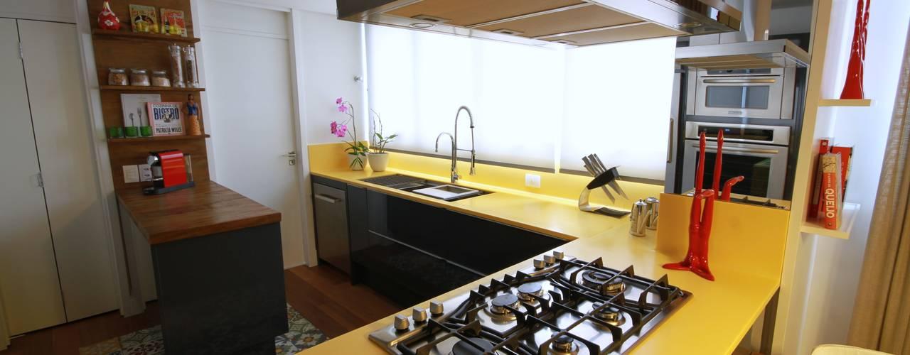 MeyerCortez arquitetura & design Modern style kitchen