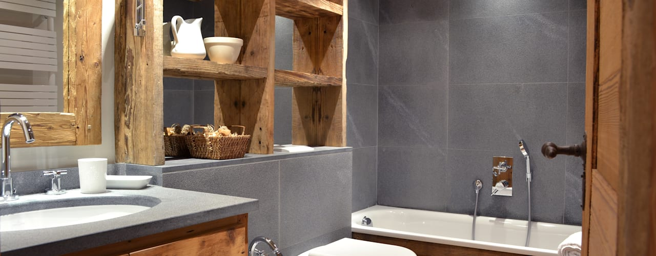 Rustic style bathrooms by Andrea Rossini Architetto Rustic