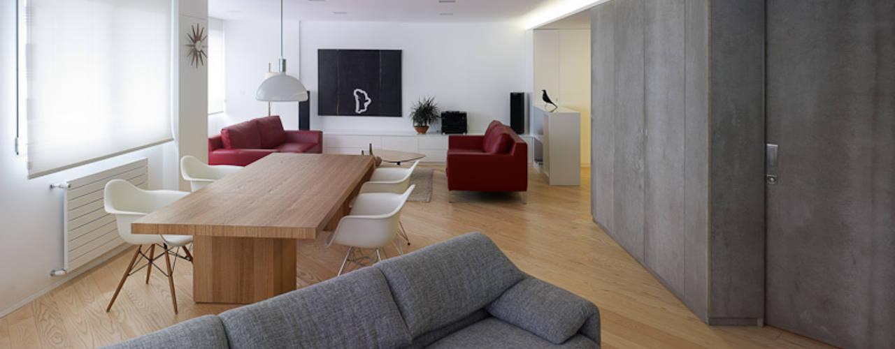 غرفة المعيشة تنفيذ Castroferro Arquitectos , حداثي