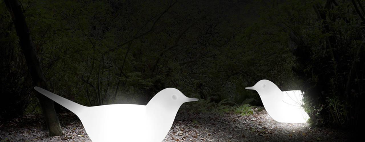 Lampe de sol Paloma - Serralunga:  de style  par Astéri