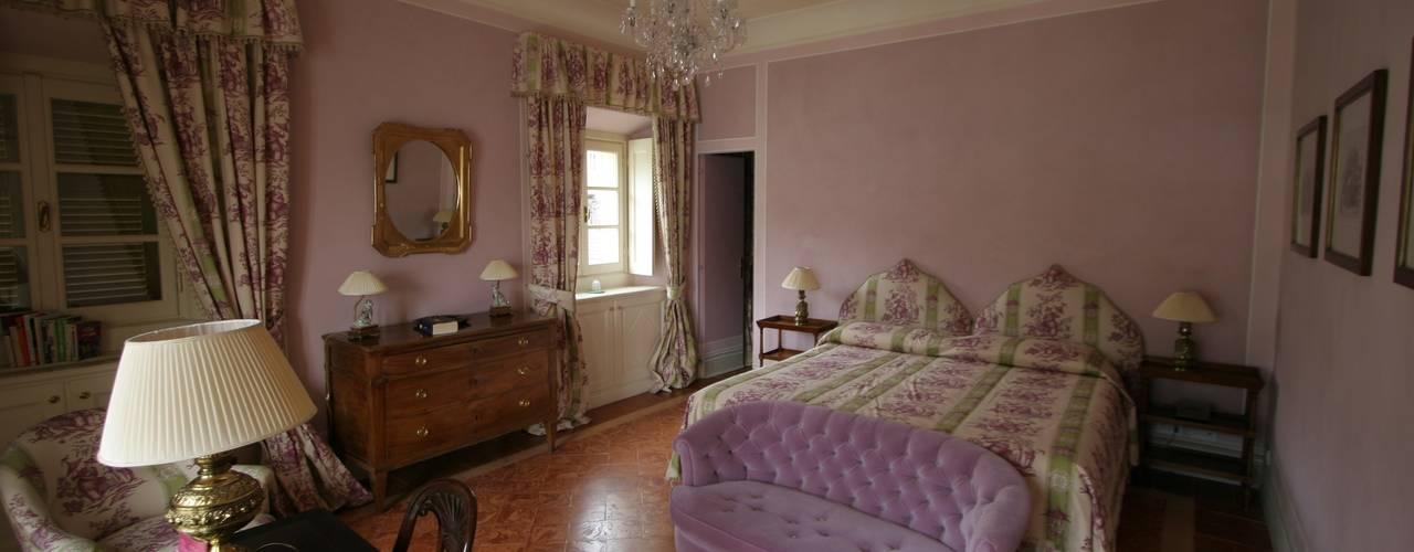 classic Bedroom by Archiluc - Studio di Architettura Lucini Associati