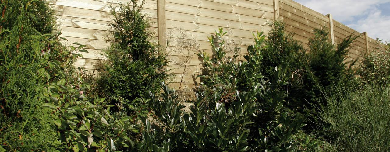 Schallschutzzäune Limes, Junior, Horizontal: Aufwertung für privaten Grund Braun & Würfele - Holz im Garten Moderner Garten Holz-Kunststoff-Verbund