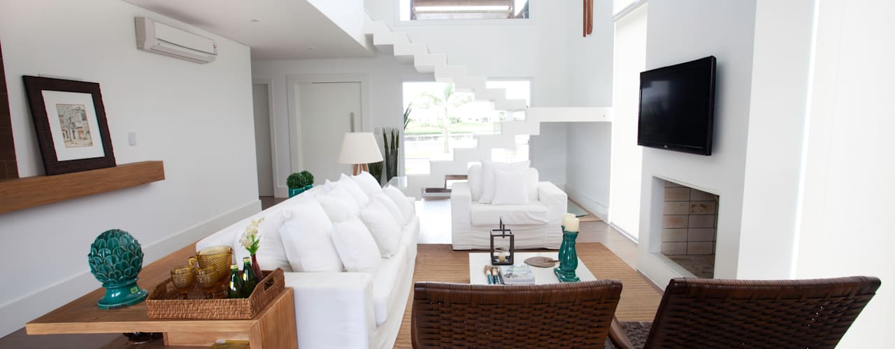 Salas de estar tropicais por Tweedie+Pasquali Tropical