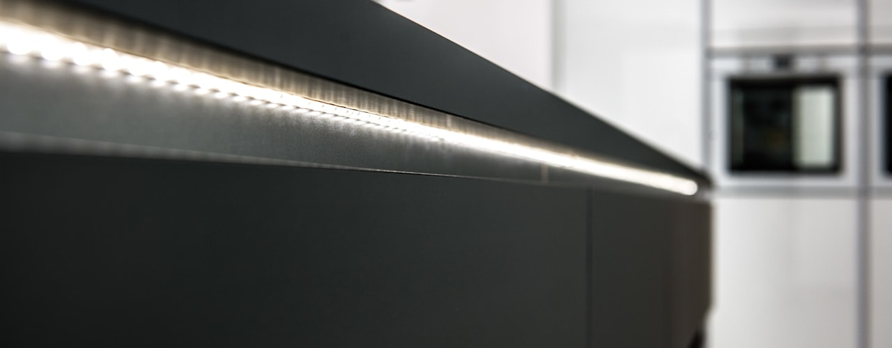 SCHMIDT setzt die Küche ins rechte Licht:  Küche von Schmidt Küchen,Modern